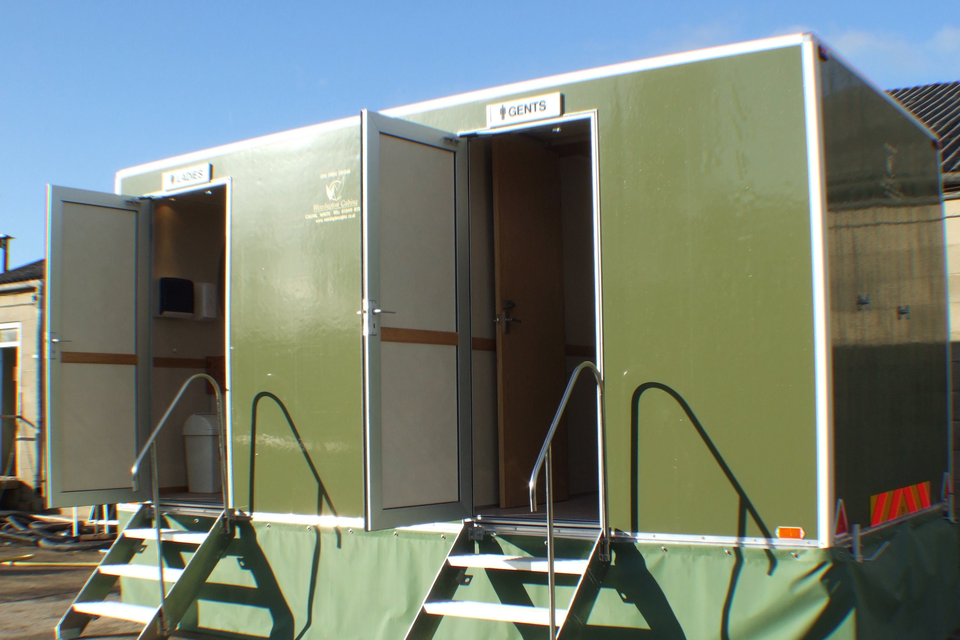 hire portable toilets
